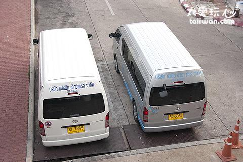 Minivan小巴每台可坐9-12人
