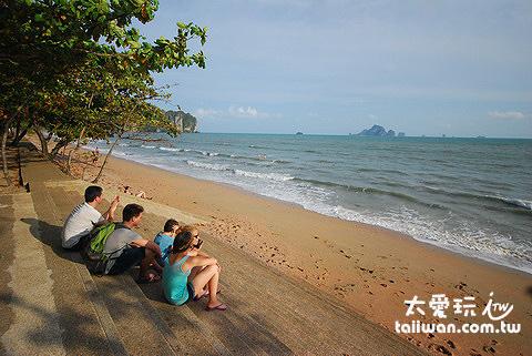 Ao Nang海灘是人潮最多最熱鬧的一個