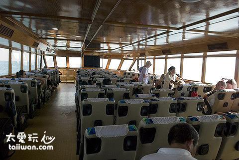 自普吉島搭乘大船前往 Krabi Ao Nang Beach