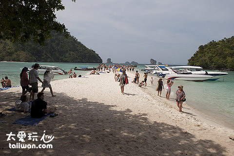 Tup Island島不大但是海灘很美