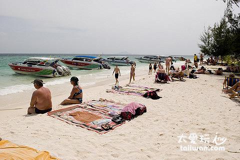 Poda Island海灘