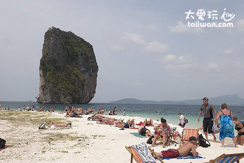 Poda Island海灘日光浴、戲水