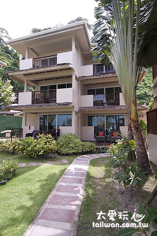 Mama Beach Residence每棟都是三層公寓