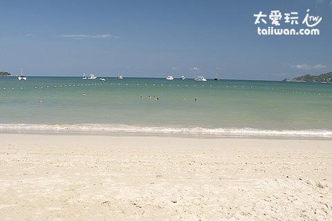 巴東海灘有圍出戲水區