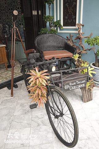 復古人力三輪車與望遠鏡