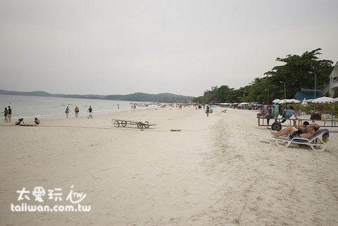 沙美島海灘多達14個