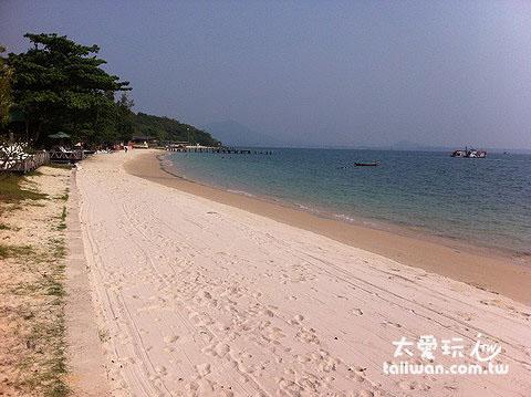 西北邊的Ao Noina海灘