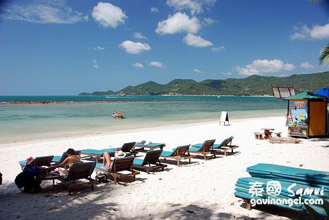 飯店前的海灘