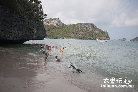 媚科島Koh Mae Koh海灘
