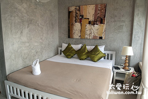 Ban's Avenue Guest House雙人房設計簡單乾淨