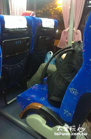 Lomprayah雙層的大巴座位跟普通巴士一樣