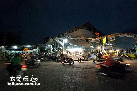 泰國傳統市場夜市小吃