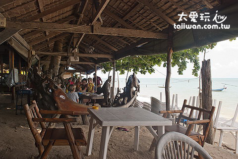 Takho Bangpo Seafood Restaurant一切都很原始簡單