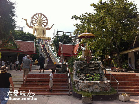 大佛寺Wat Phra Yai