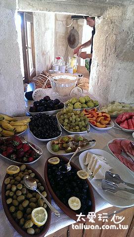 Aydinli Cave House超級豐盛的早餐