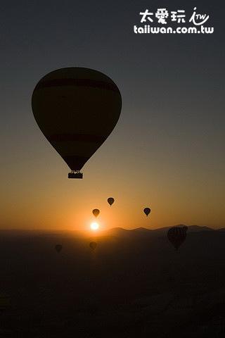 搭熱氣球看日出