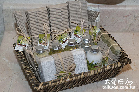 沐浴備品看起來都是強調自然手工的包裝