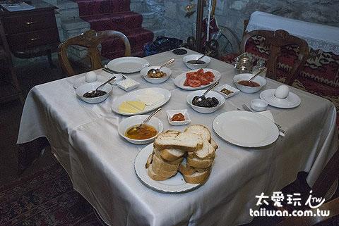 Mehves Hanim Konagi豐盛的早餐